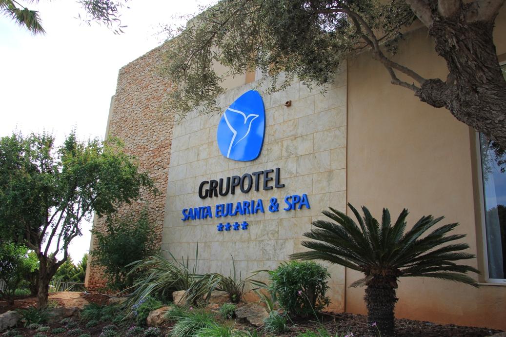 Haupteingang zum Hotel