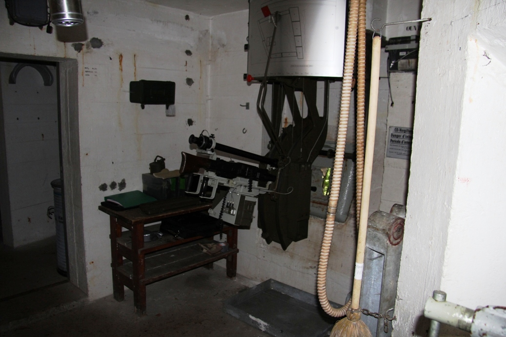 Schiess-Scharte im oberen Bunker