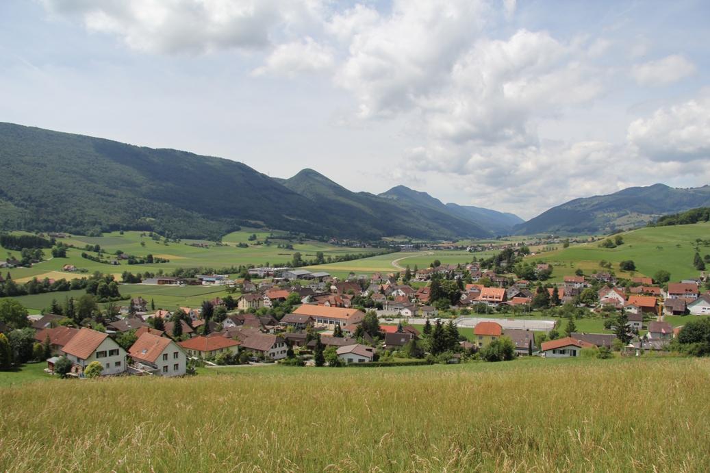 Blick vom Güggelhofweg über Laupersdorf
