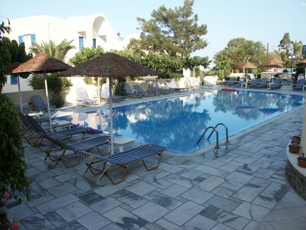 Pool beim Hotel