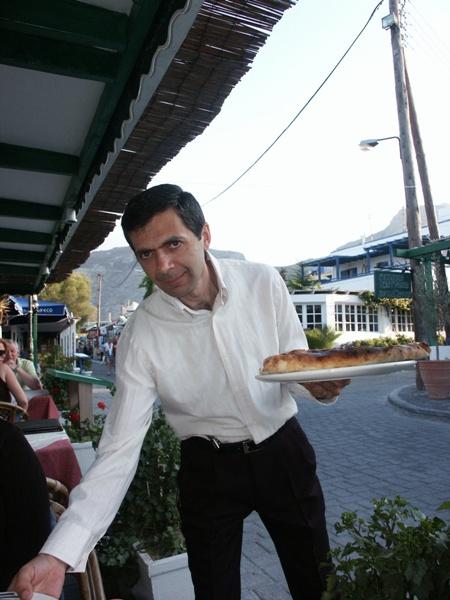 Mr. Bean als Pizzeriamitarbeiter?